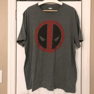 Men's old navy Deadpool T-shirt